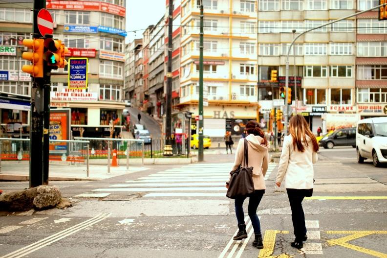 写真はトルコのどこかの街