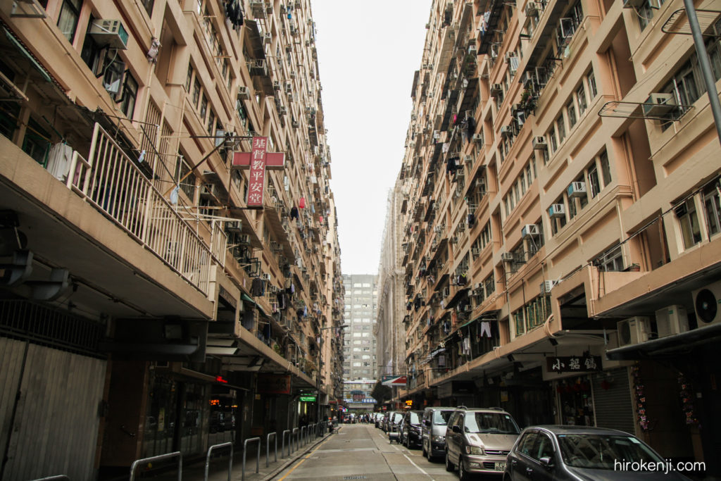 【世界放浪初日】大緊張の香港観光・迫り来るカオスなビル群。