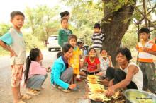 カンボジアの負の遺産、キリングフィールドとトゥールスレン