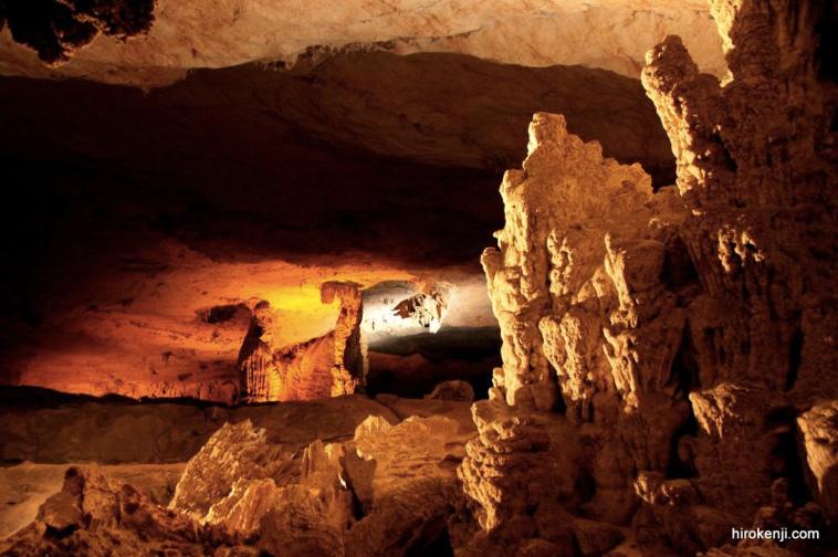 まるでインディージョーンズの世界!ラオスの秘境コンロー洞窟へ!