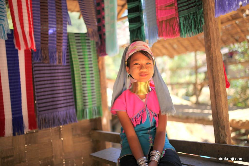 【メーホンソーン観光】首長族の村(バンナイソイ)と子供達