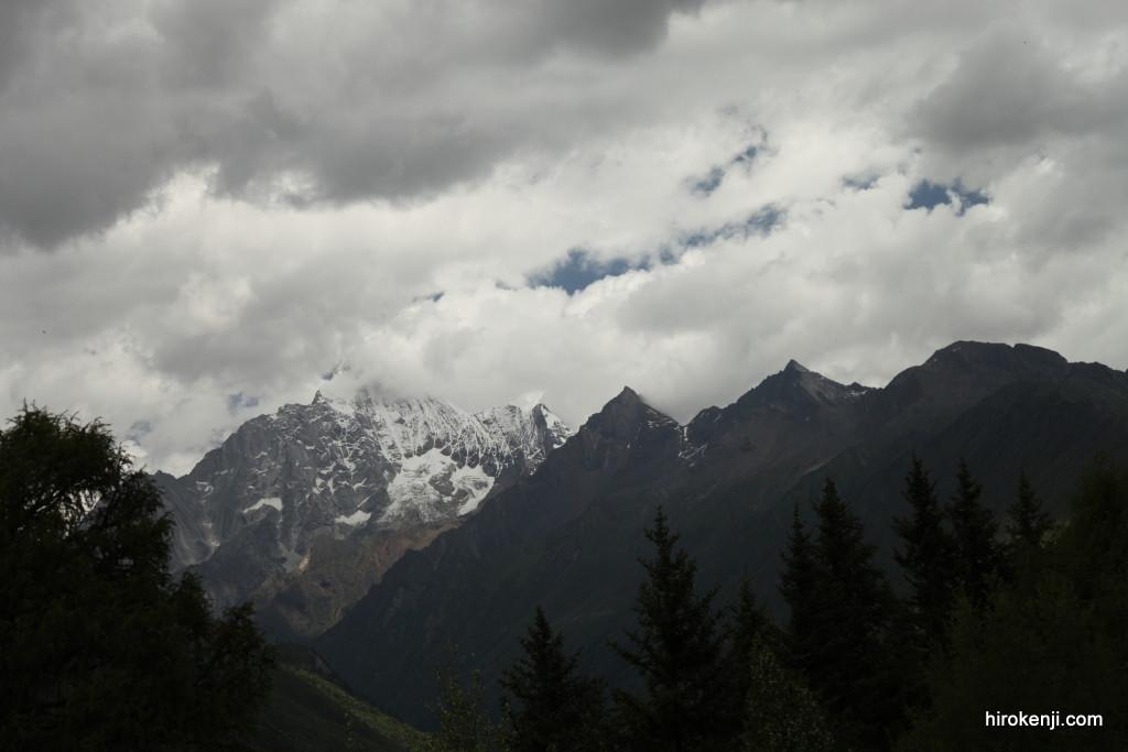 中国(四川省)・四姑妹山トレッキングの絶景ツアーと費用