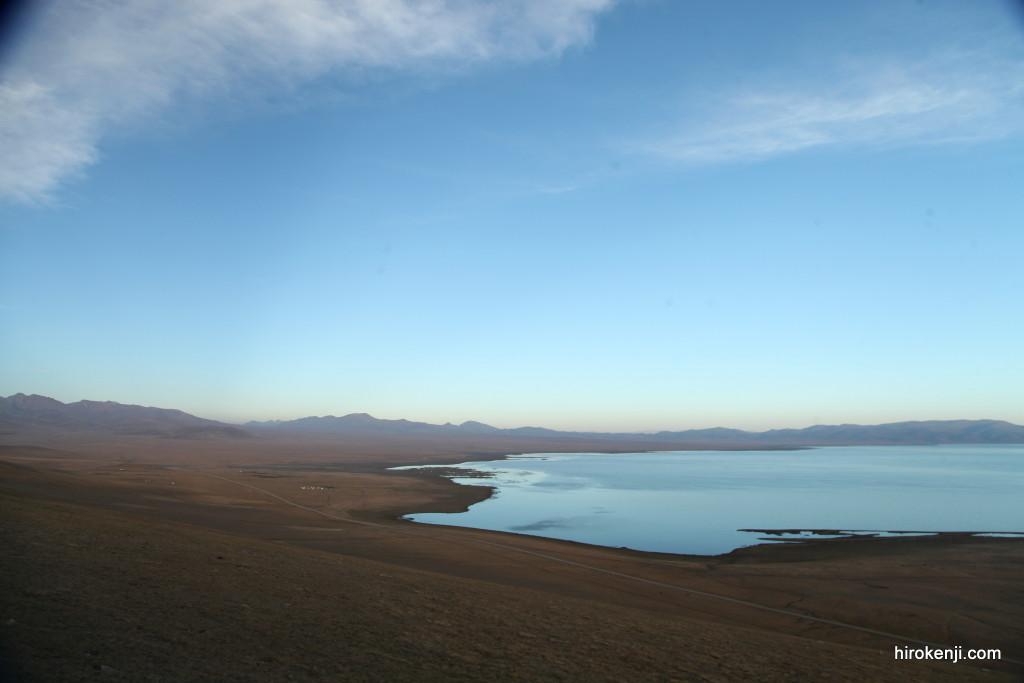 中央アジアの秘境!標高3000Mの湖で遊牧民の家に宿泊!