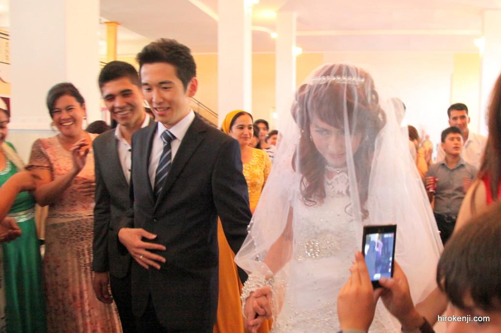 ウズベキスタン・リシタン(2) NORIKO学級で国際結婚式に招待された