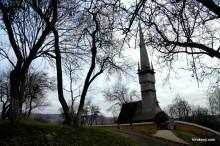 ルーマニアの世界遺産・マラムレシュ木造教会とバイアマーレの田舎町