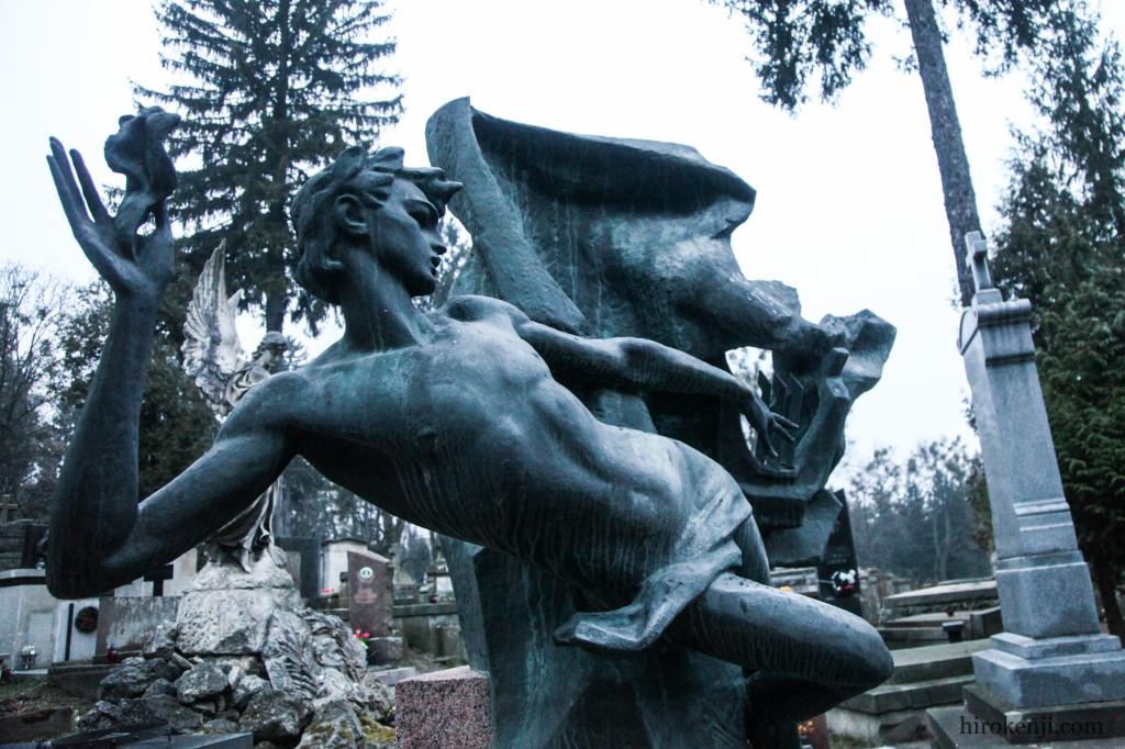 13チャキフ墓地