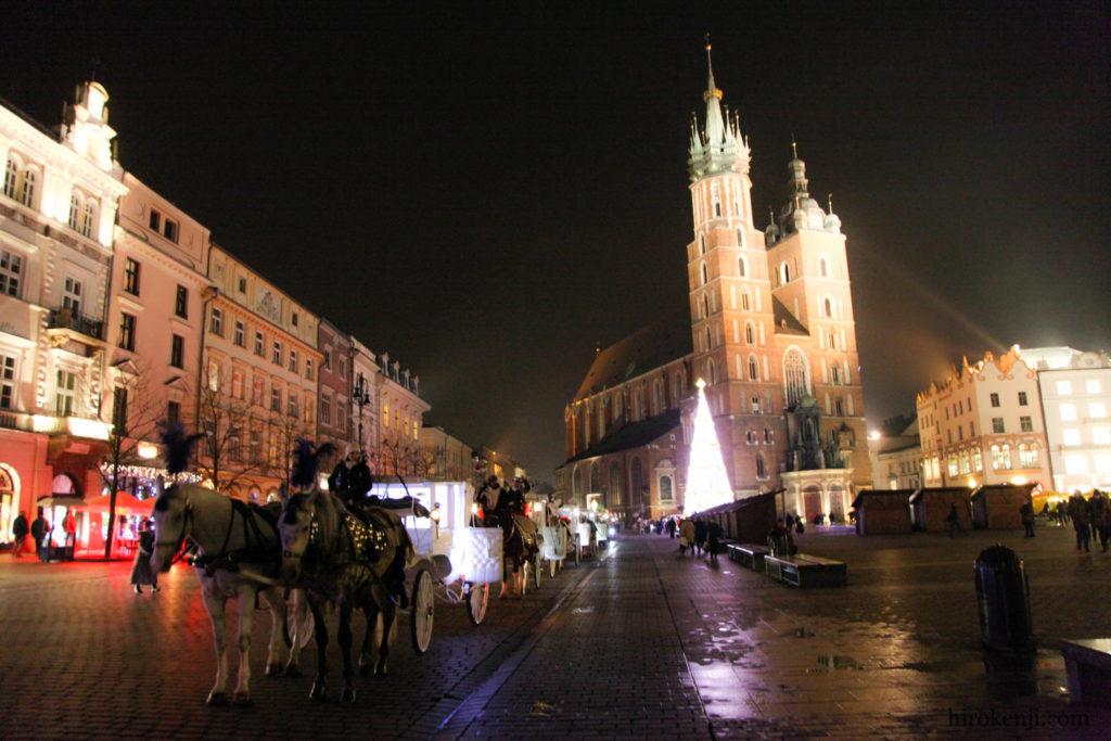 冬のポーランド・クラクフ 中世の重厚な街並み散歩と良宿情報