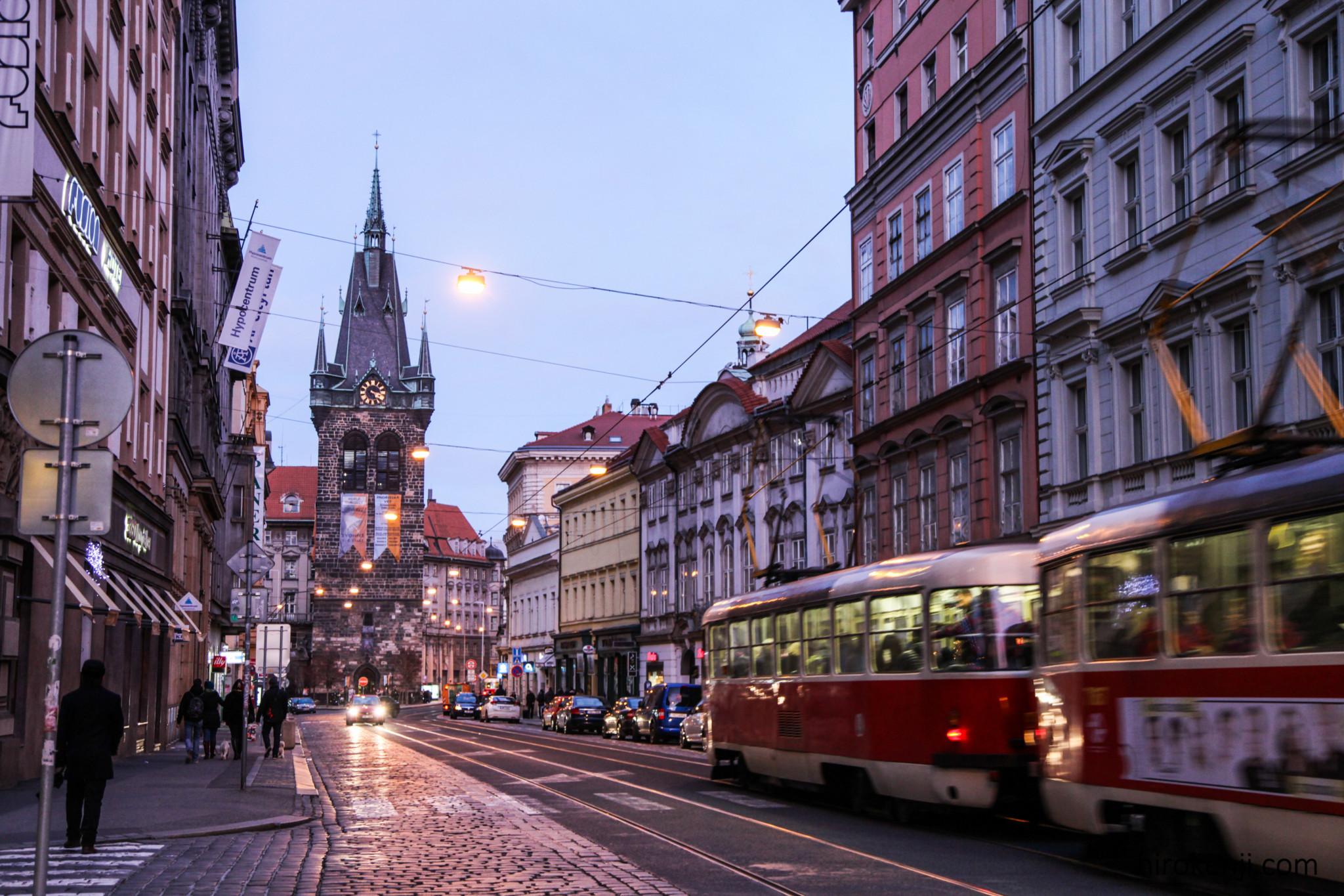 プラハの街の夕暮れ